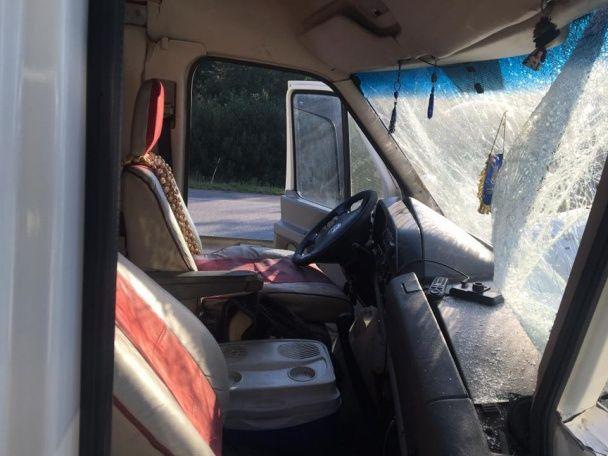 Мікроавтобус з учасниками гурту ТНМК влетів у фуру