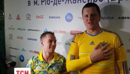 Гімнаст Олег Верняєв продемонстрував свій патріотичний вокал у Борисполі