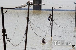 Близько 20 людей загинули через повені в Індії