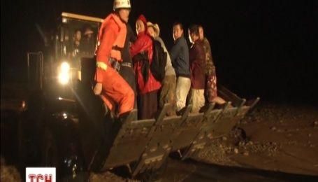 Более пяти тысяч человек пришлось эвакуировать в Китае из-за мощного наводнения