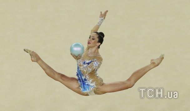 Пристрасть та пластилінові тіла. Дивіться фото олімпійських гімнасток