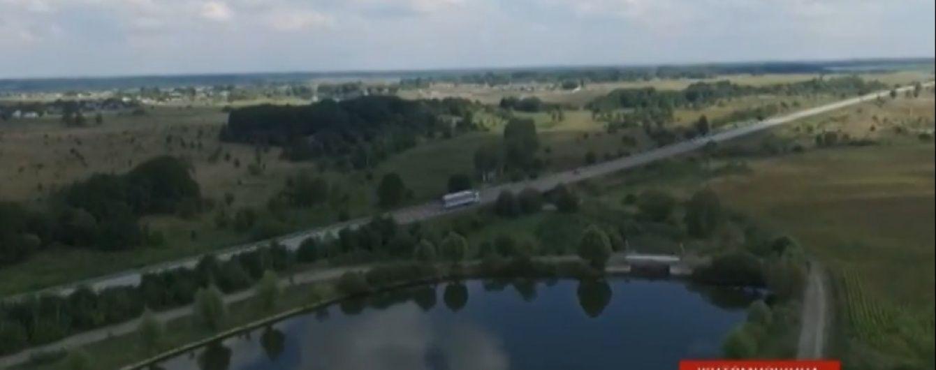 """На Житомирщині бізнесмени хочуть орендувати щойно повернені селу ставки для """"європейського містечка"""""""