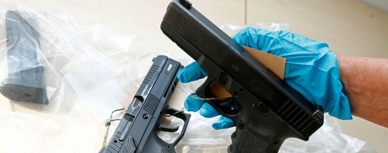 На Одесской трассе двое мужчин открыли стрельбу