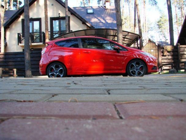 Ford Fiesta ST: Злой задира