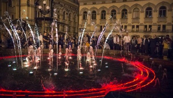 У Києві відкрили новий-старий світло-музичний фонтан