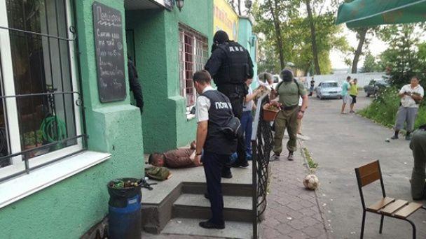 У Житомирі поліцейський вимагав $ 15 тисяч хабаря від квартирного афериста