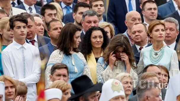 Під час військового параду донька Порошенка розчулилася й розплакалася