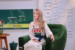 Фреймут у розкішній вишитій сукні привітала Україну з ювілеєм незалежності