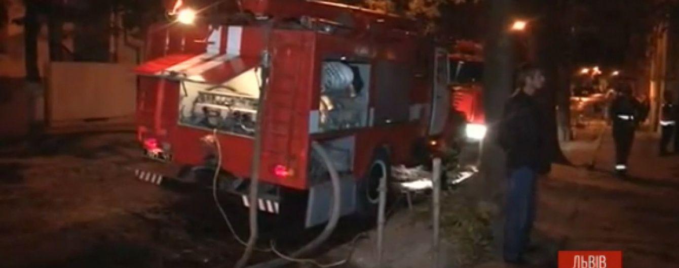 У Львові 30-річний онук підпалив хату дідуся разом зі старенькими всередині