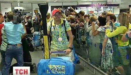 """Гребцы с """"золотом"""" и """"бронзой"""" вернулись в Украину с Олимпийских игр"""