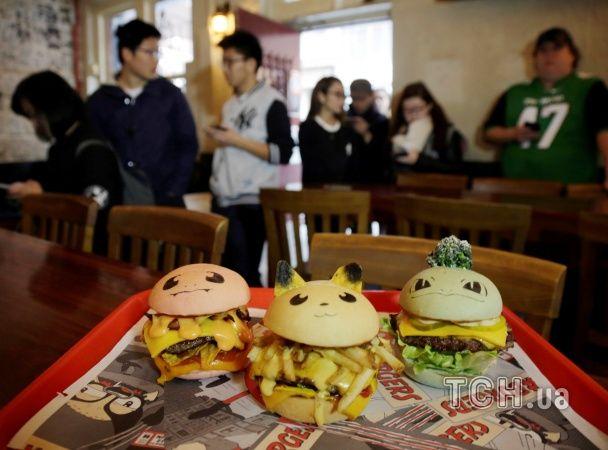 З'їсти Пікачу: в Австралії почали виробляти кольорові бургери у вигляді покемонів