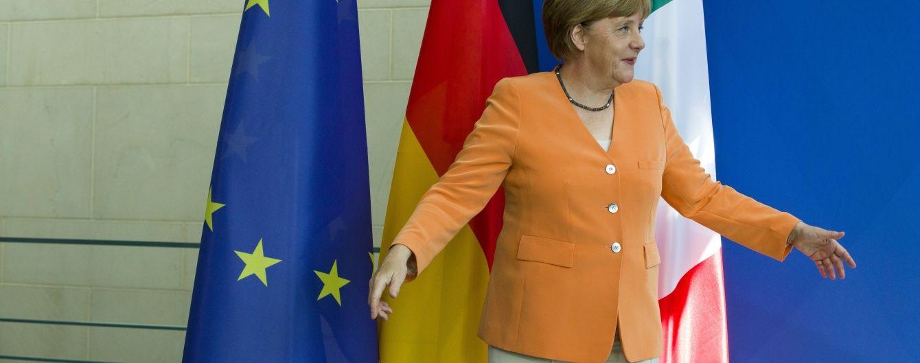 И все-таки они разные: 25 жакетов Ангелы Меркель