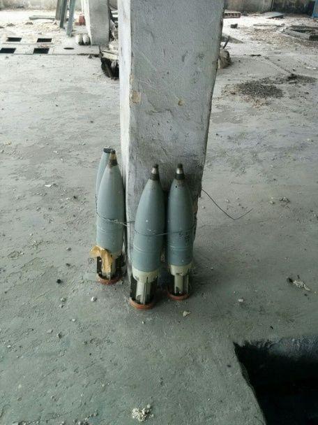 На Донбасі виявили три схованки боєприпасів бойовиків