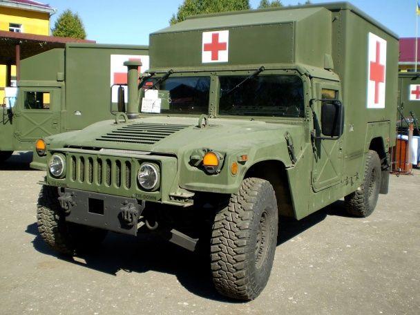 Україна отримала 5 автомобілів медичної допомоги від США
