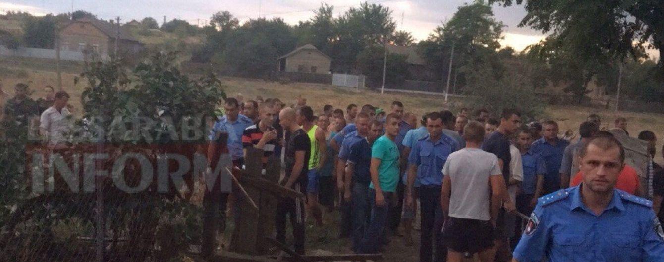 Підозрюваний у вбивстві дівчинки на Одещині розпивав алкоголь з її вітчимом – місцеві мешканці