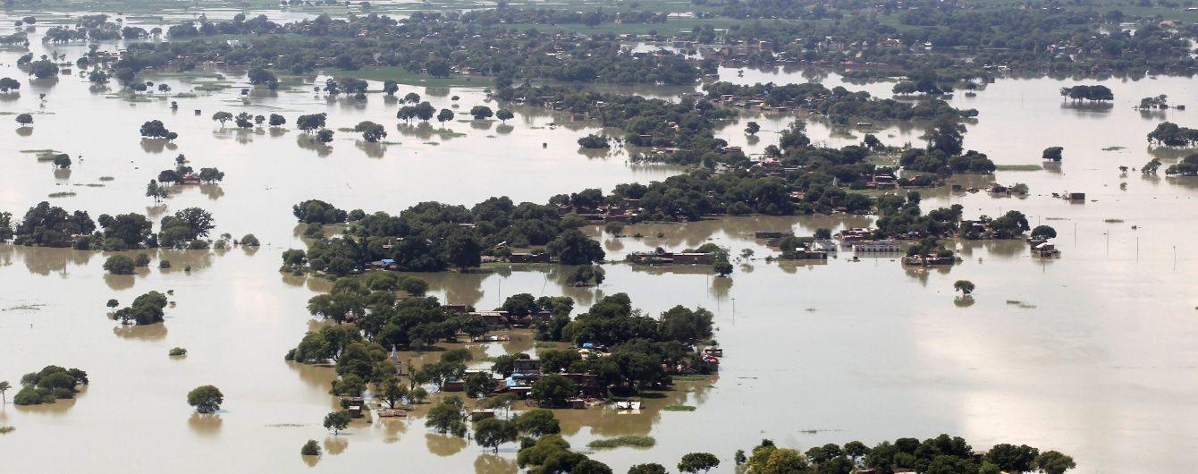 На сході Індії внаслідок масштабних повеней загинуло 216 людей