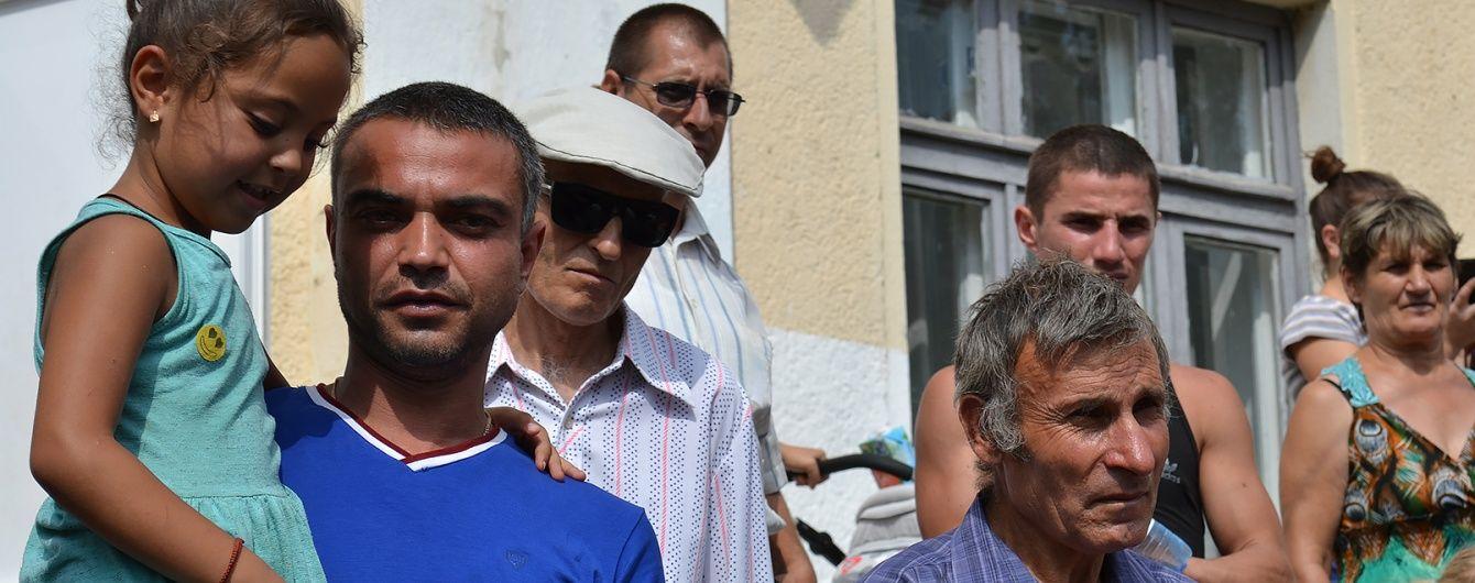 У Лощинівці роми погрожують помстою селянам за розгромлені будинки