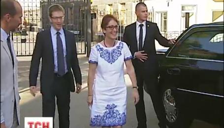 Посол США Марі Йованович пообіцяла співпрацю з Україною на шляху реформ