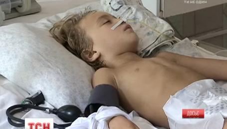 Львовские медики борются за жизнь маленького Матвея, который заразился столбняком