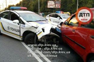 В Киеве в масштабном ДТП с участием полицейских пострадали дети