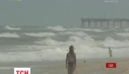 США готовятся к двойному удару стихии: на страну надвигается ураган и шторм