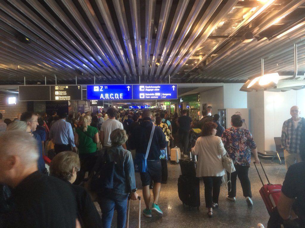 Евакуація в аеропорту Франкфурта_2