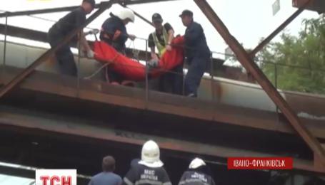 В Івано-Франківську екстремальне селфі мало не вбило 14-річного хлопчика