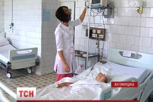Фасадна плитка з будинку проломила череп 9-річній дівчинці на Житомирщині