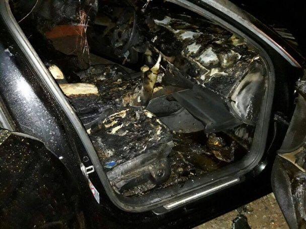 У Сумах спалили елітну іномарку депутата