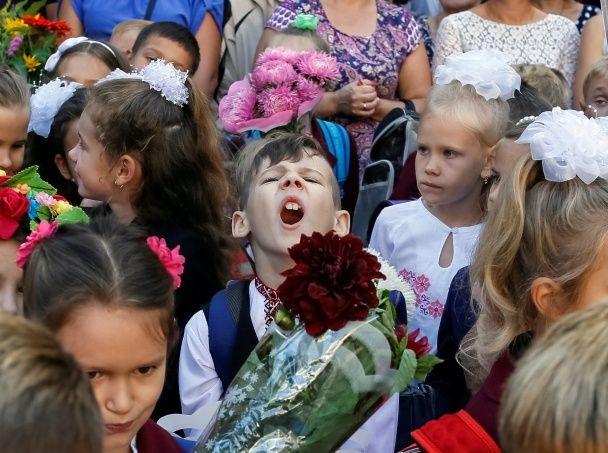 Найяскравіші фото дня: перший дзвоник у Києві, розваги Трюдо і принца Вільяма