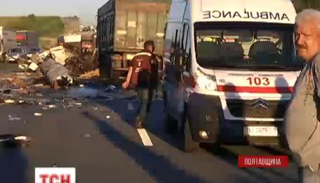 Смертельная авария на Полтавщине: 2 фуры столкнулись лоб в лоб