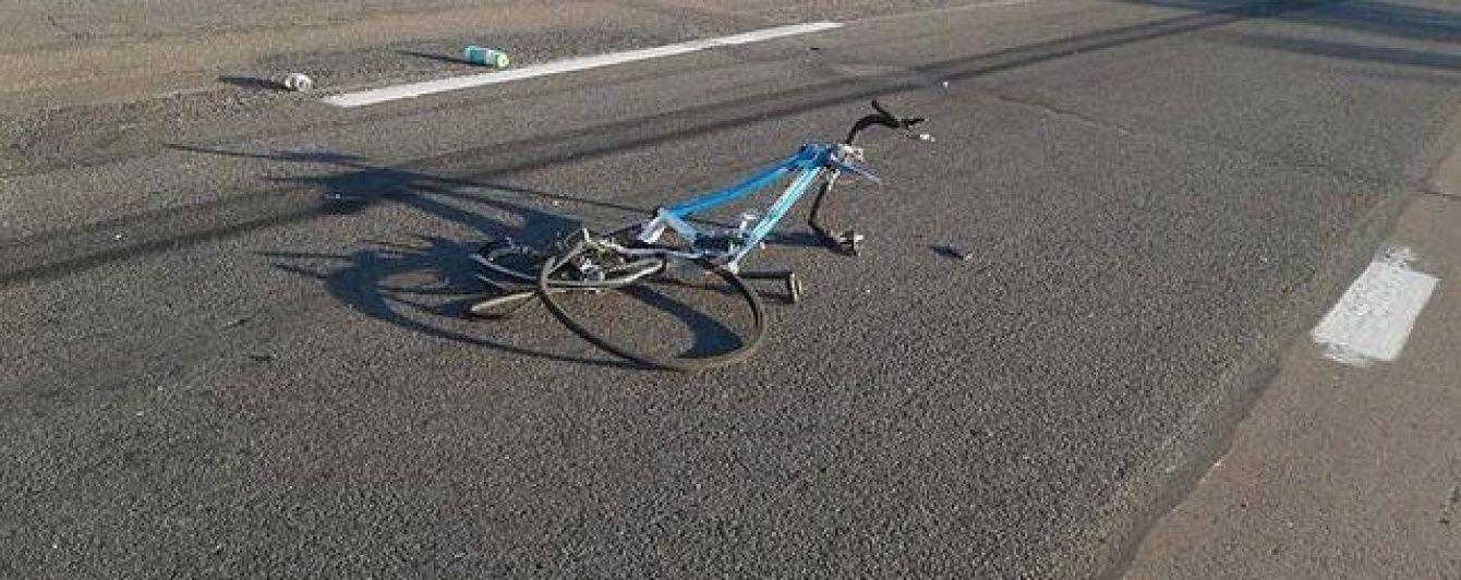 Загиблий під фурою хлопчик-велосипедист за день до трагедії плакав і не хотів лишатися в Києві