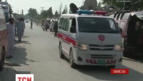 Двойной теракт потряс Пакистан, есть погибшие