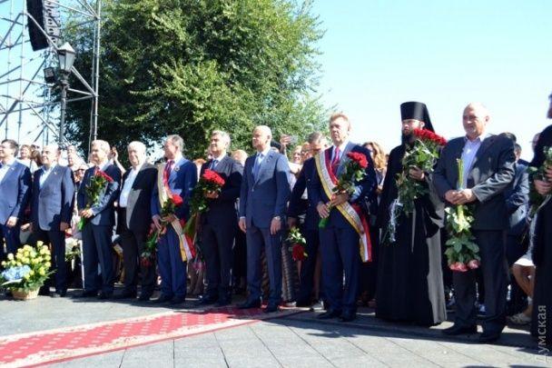 Мер Одеси оточив себе одіозними політиками на святкуванні 222-річчя заснування міста