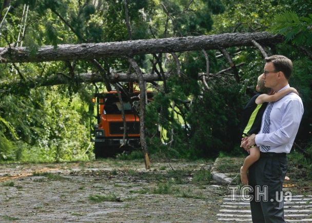 Потужний ураган охопив Флориду: одна людина загинула