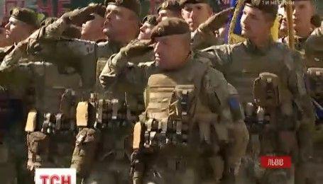Курсанты Академии сухопутных войск сегодня торжественно присягнули на верность Украине