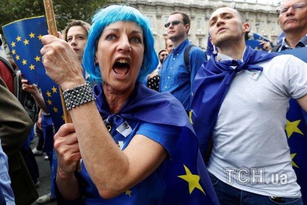 Тисячі британців вийшли на вулиці, вимагаючи повторного голосування щодо виходу з ЄС
