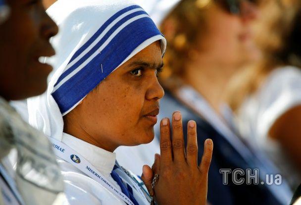 Матір Терезу визнали святою