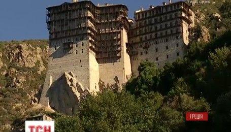 Как в уникальном монастырском государстве на греческой горе Афон молятся за мир в Украине