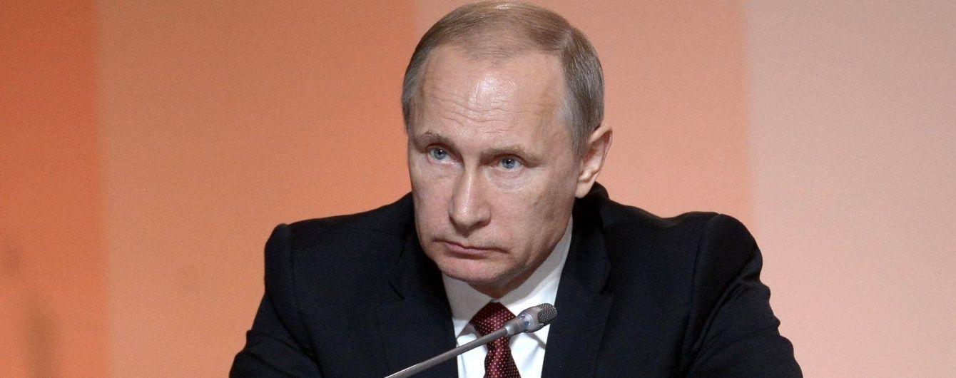 Путін знову навідається до анексованого Криму