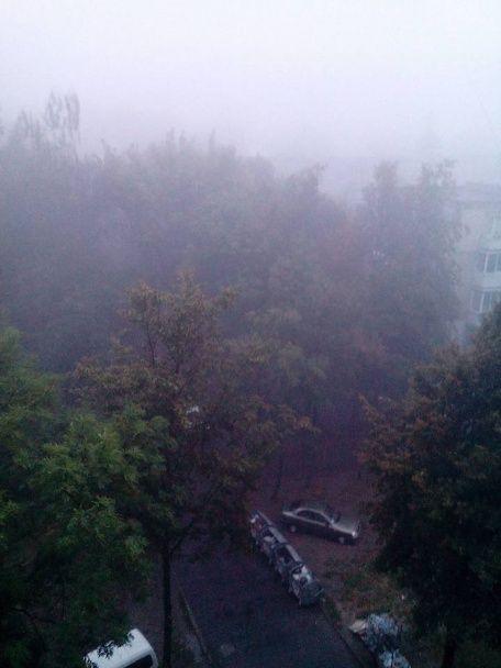 У Львові панує сморід, а у повітрі стоїть густий дим