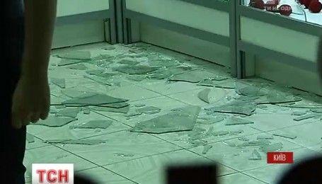 В столице ограбили ювелирный магазин, есть пострадавшие