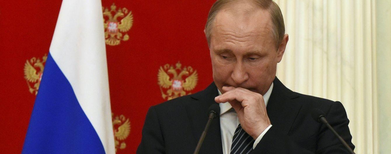 Путін різко відреагував на ризикований маневр винищувачів РФ біля корабля США – Bloomberg