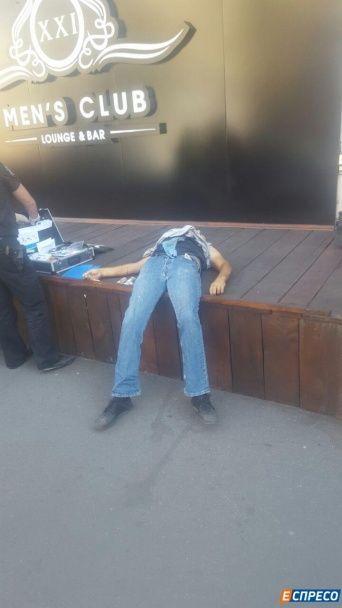 У столиці поблизу стриптиз-клубу зарізали чоловіка