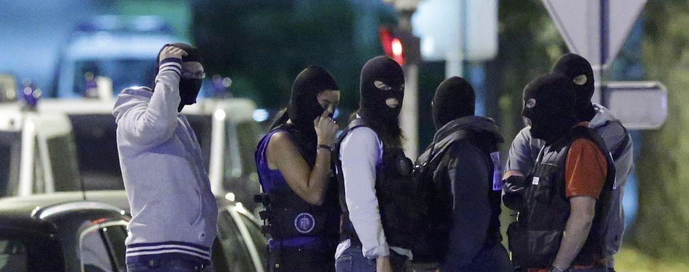 У Франції підозрювана у тероризмі накинулась із ножем на поліцейського