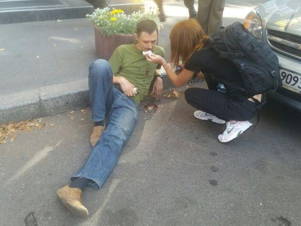 """У Києві затримали активістів, які блокували """"Київміськбуд"""" через скандальну забудову"""