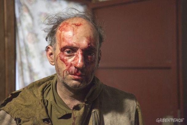 """""""Забирайтеся в свою Америку, піндоси"""": у Росії жорстоко побили активістів Greenpeace"""