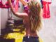 Молочний душ і ню-фото. Що постить в Instagram пишногруда футбольна фанатка