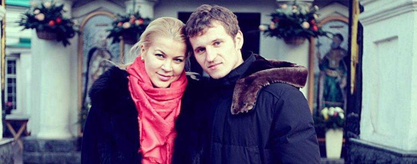 Дружина Алієва заявила про розлучення зі скандальним футболістом