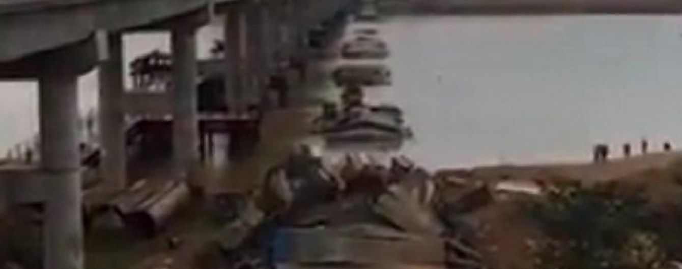 На південному сході Китаю впав автомобільний міст
